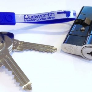 Anti-snap lock and keys with Cusworth Master Locksmiths keychain